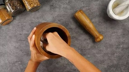 How to Clean a Wooden Mortar and Pestle