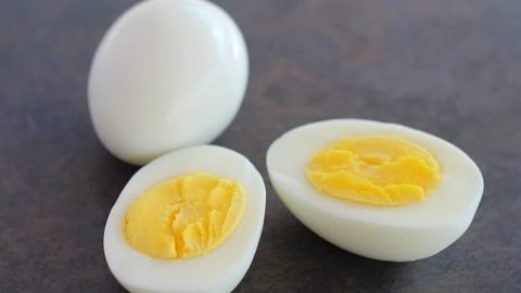 how to store peeled hard boiled eggs