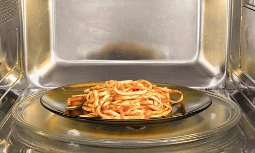 how long can cream pasta sit out